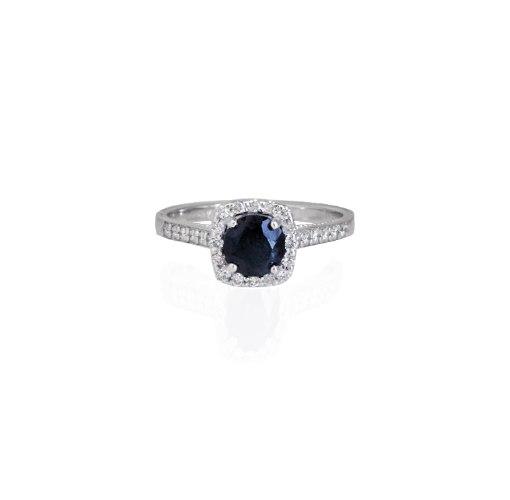 טבעת ספיר עם יהלומים - טבעת מרובעת - טבעת זהב לבן מרובעת עם ספיר כחול