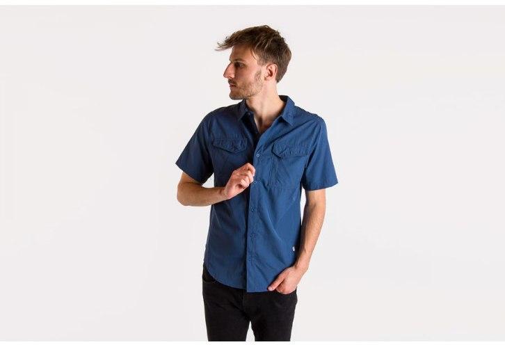 חולצה כחולה מכופתרת נוגדת קרינת שמש של The North Face