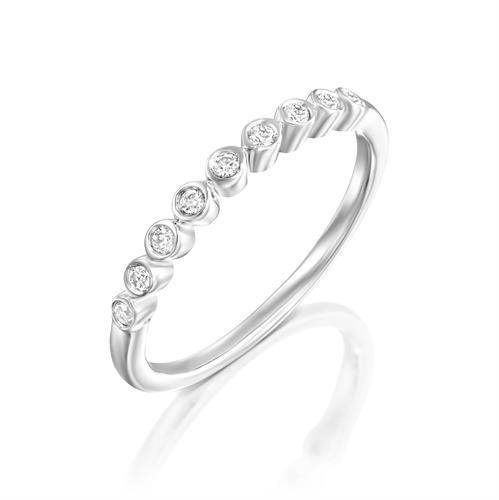 טבעת כח היהלום משובצת יהלומים בזהב לבן 14 קראט