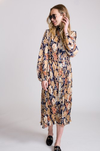 שמלת פליסה פרחים כחול