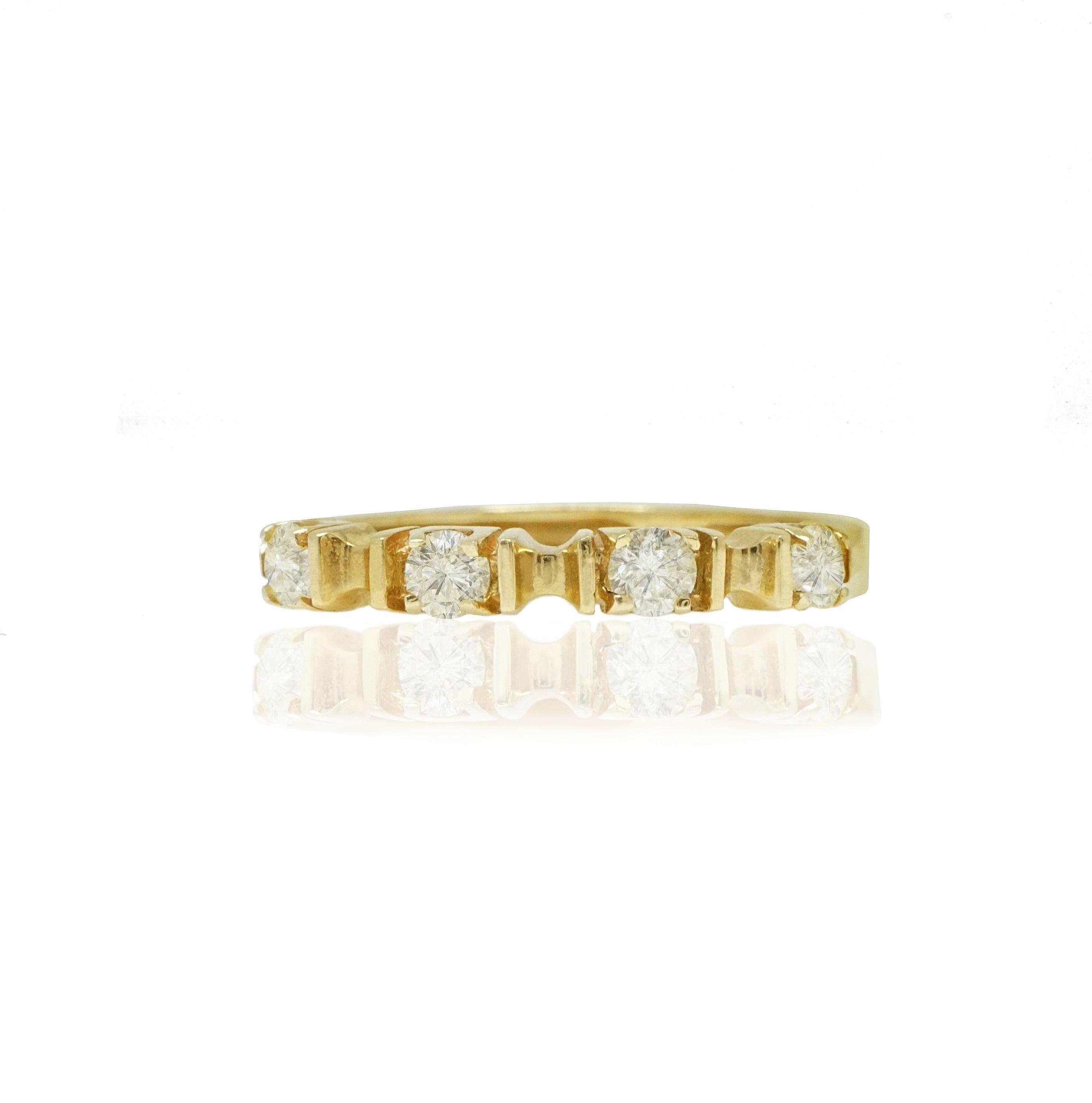 טבעת זהב 4 אבנים יפהפייה עם יהלומים 0.40 קראט