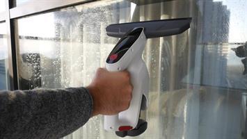מנקה ושואב חלונות אלחוטי JIMMY VW302