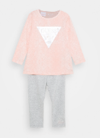 חליפת תינוקות אפרסק GUESS בנות- 0-24 חודשים