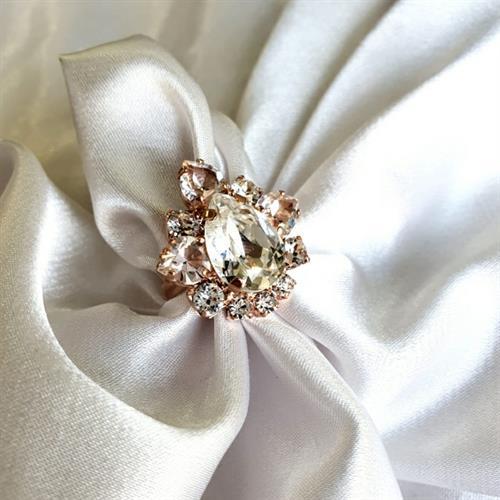 טבעת מרי- קריסטל זהב אדום