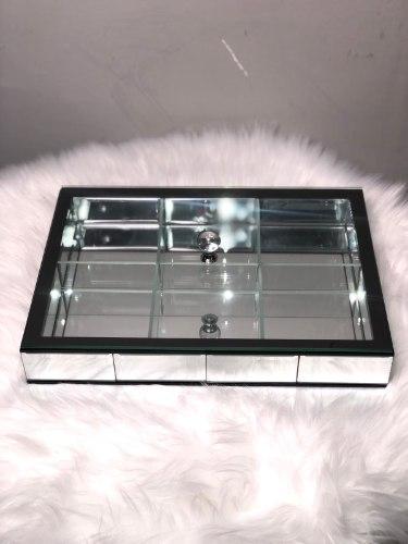 קברט מלבני זכוכית