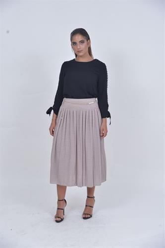 חצאית פליסה וחגורה