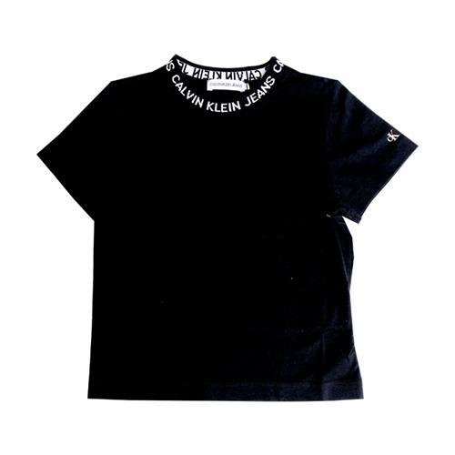 חולצת כיתוב בצווארון שחורה CALVIN KLEIN - מידות 4 עד 16 שנים