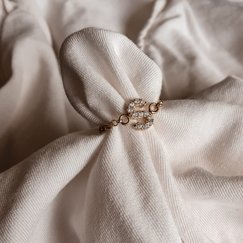 טבעת אות קטנה- ציפוי זהב