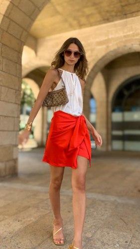 חצאית מעטפת מיני אדומה