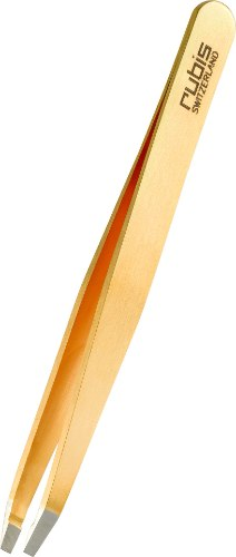 קולקצית פינצטות ייחודית זאת מעוטרת בתכשיט, שהוא גם מקור השם רוביס, המגלמת לא רק אלגנטיות מוחלטת, אלא גם משקפת את ערכיה של רוביס על ידי שימוש בחומרים הטובים ביותר באופן ייחודי. תכשיט שימושי קטן על שולחן הטיפוח שלך שתוכלי להתגאות בו כל יום.
