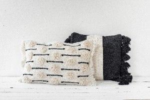 זוג כריות שאגי מלבנית לבן ומרובעת שחור-לבן
