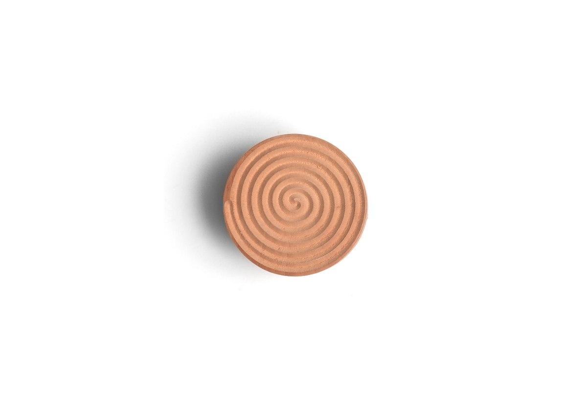 חותמת בצק מעץ. קורזטי,  Corzetti - דוגמת ספירלה