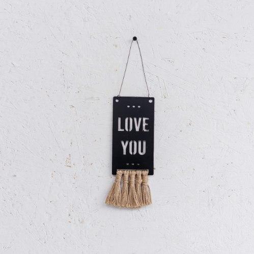שלט מתכת גדול עם פרנזים (יוטה) - LOVE YOU