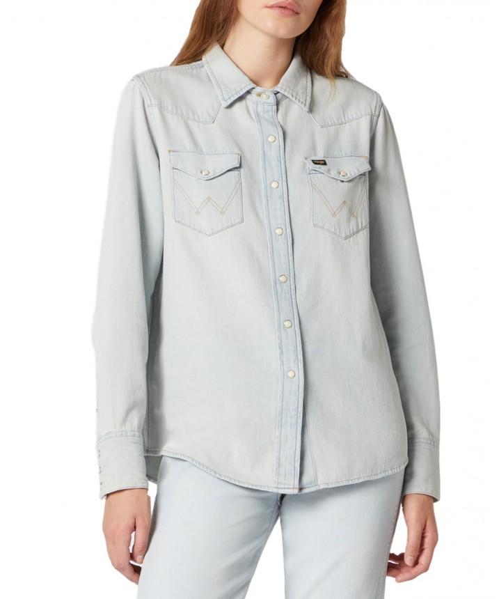 חולצה מכופתרת WRANGLER ICON ג׳ינס בהיר