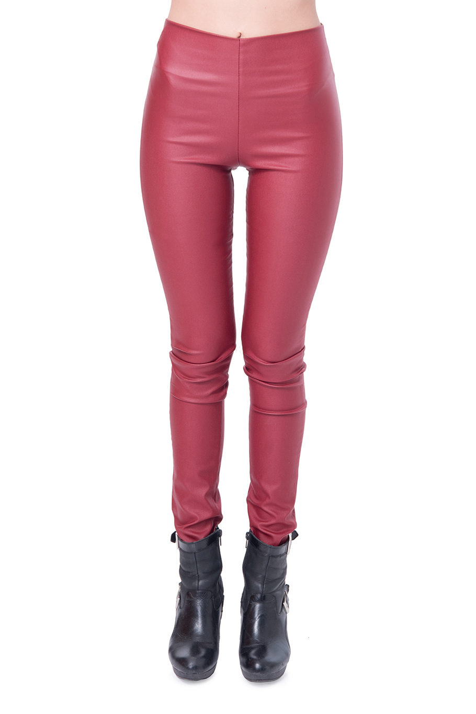 מכנס דמוי עור ללא רוכסן וללא כפתור בצבע בורדו