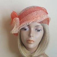 כובע מעוצב אלגנטי/ אפרסק ואדום