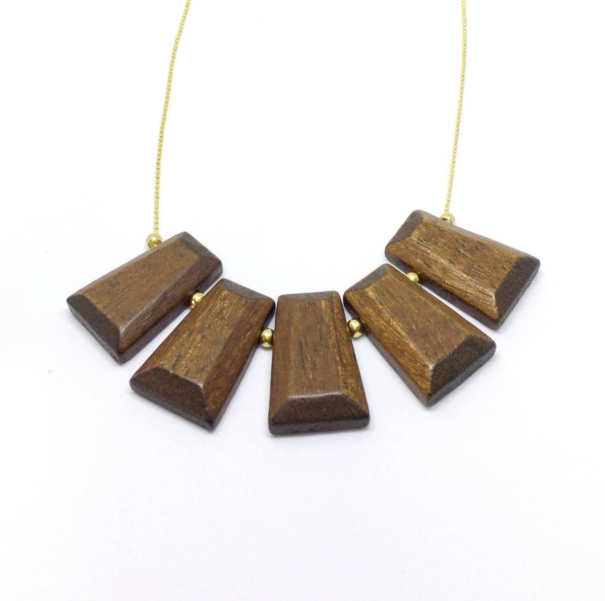 מחרוזת חרוזי עץ חומה