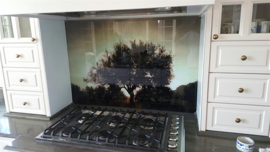 חיפוי זכוכית מודפסת