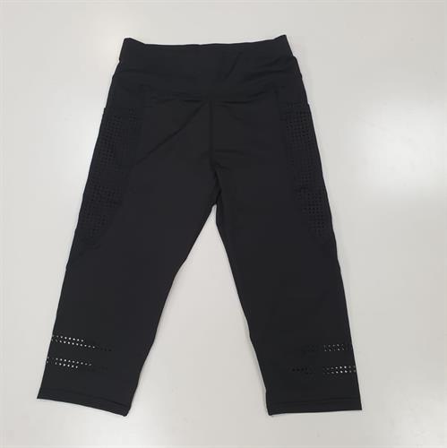 מכנס אקטיב נשים 3/4 שילוב חורים רגל שחור