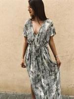 שמלת קמילה מנומרת