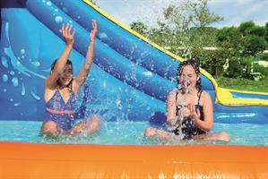 מתקן קפיצה מתנפח רטוב עם מים Bestway 53305 - פארק מים TSUNAMI