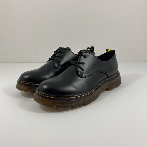 נעל YOUNG בצבע שחור מט