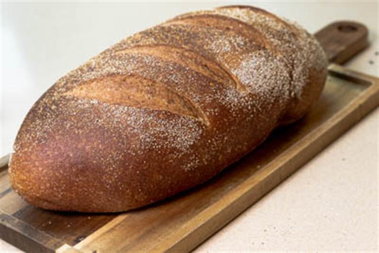לחם מחמצת קמח מלא ללא סוכר, שמרים ושמן