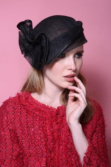 כובע מעוצב לנשים / שחור אלגנטי