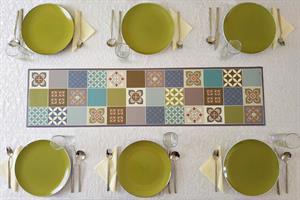 ראנר מעוצב לשולחן - דגם אריחים ירוק, עשוי פיויסי - דוגמא