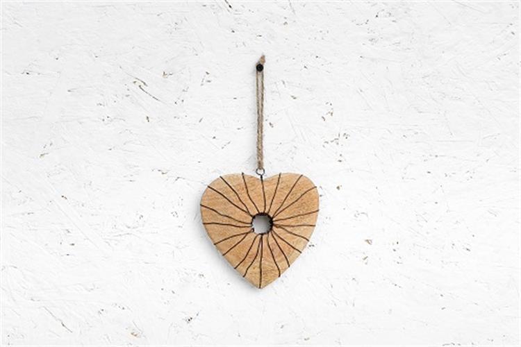 לב עץ - עם חור וחוטי ברזל
