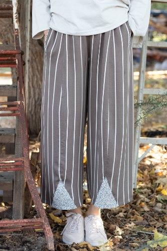 מכנסיים מדגם טרי