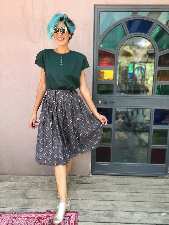 חצאית קלוש אפורה עם דיטיילז אלוהיים מידה S/M