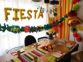 עיצוב שולחן מקסיקני קישוטים ואביזרים למסיבה או יום הולדת חגיגה מקסיקנית בלונים פיאסטה מקסיקני
