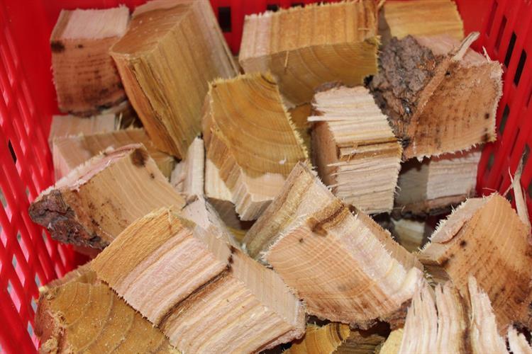 שבבי עץ גדולים לעישון בשר CHUNKS הדרים