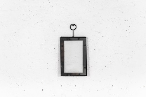 מסגרת ברזל שחורה - גודל קטן (אורך)