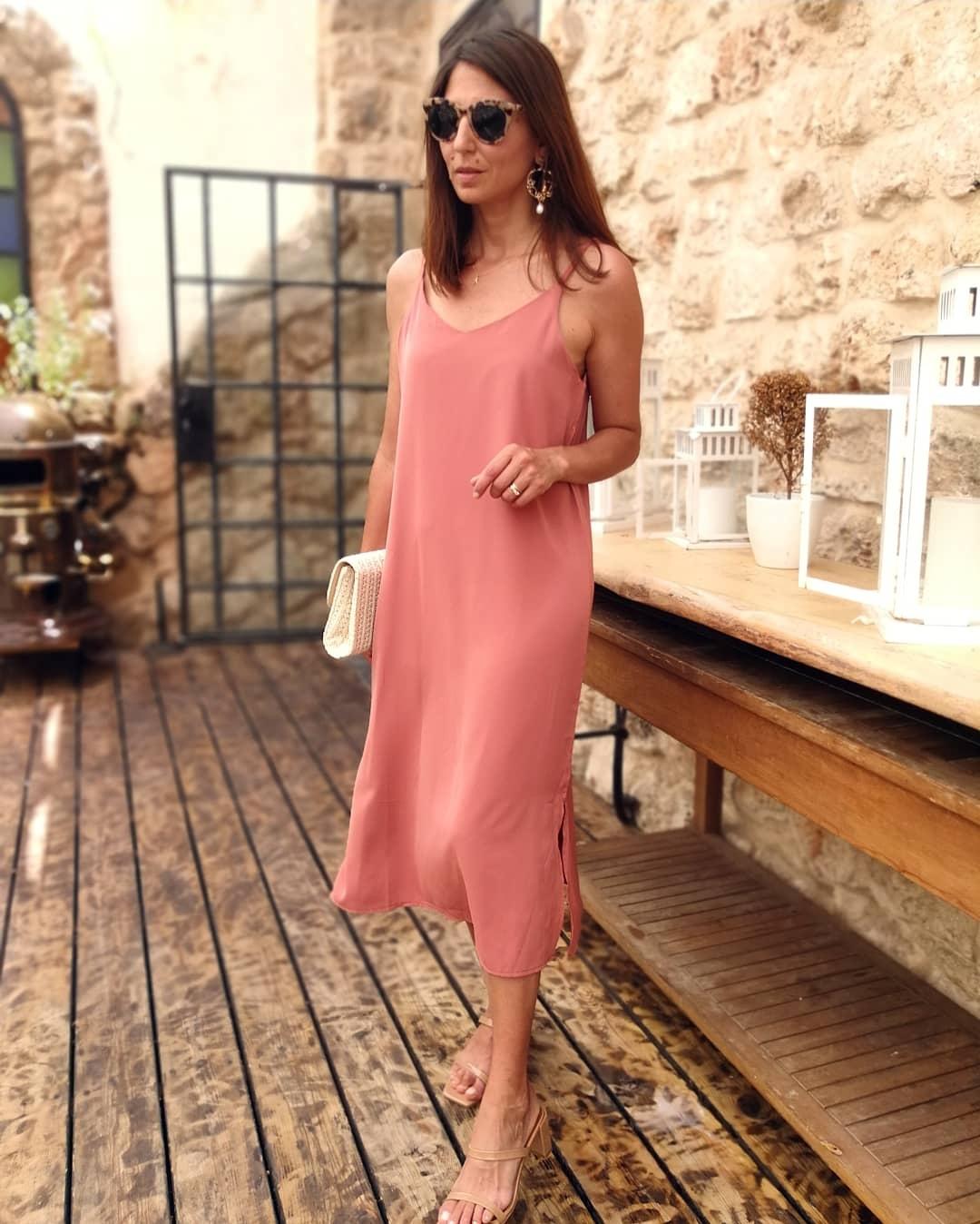 שמלת יוניק פריזאית - ורודה