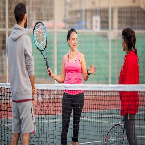 שיעור טניס זוגי - על המגרש ומעבר לו