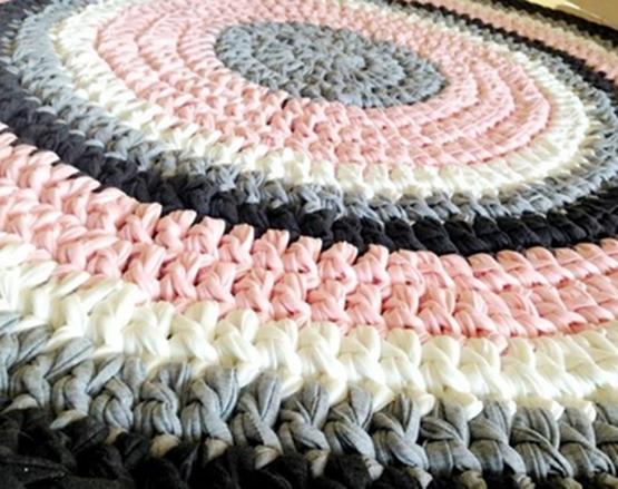 שטיחים סרוגים, שטיח סרוג, שטיח עגול, שטיחים, עיצוב חדרי ילדים, עיצוב פנים, שטיח סרוג מטריקו, שטיח ורוד ואפור