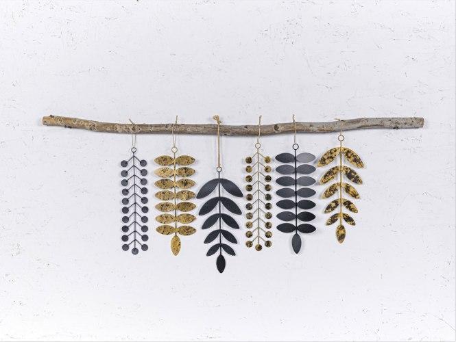 ענף אלמנטים שחור - זהב
