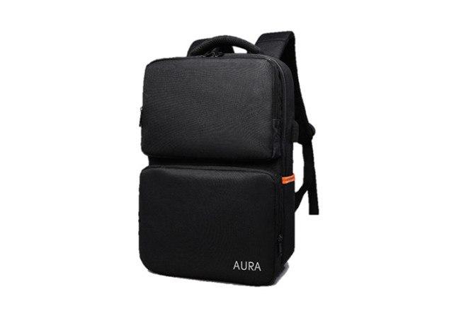תיק AURA צבע בז'/שחור כולל יציאת USB וכבל לטעינה עם מטען נייד