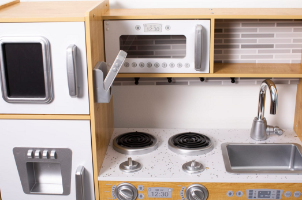 W10C564 - מטבח עץ בוטיק לילדים, דגם נדב, קפיץ קפוץ