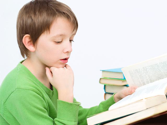 איך לעודד ילדים לקריאה באנגלית?