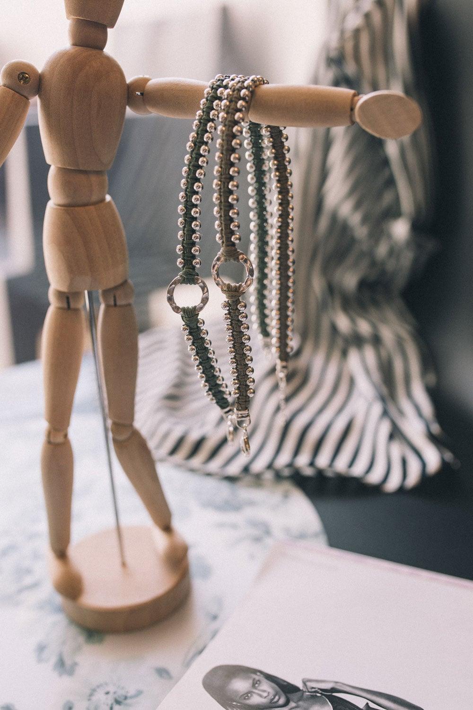 אודותינו דיאור תכשיטים בעבודת יד תכשיט עם חריטה