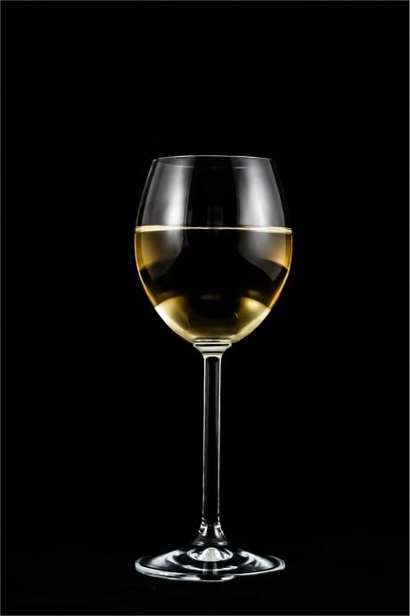 יינות וליקרים