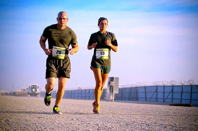 ספירולינה מכילה כמות גבוהה של חלבון ולכן מצויינת לספורט.