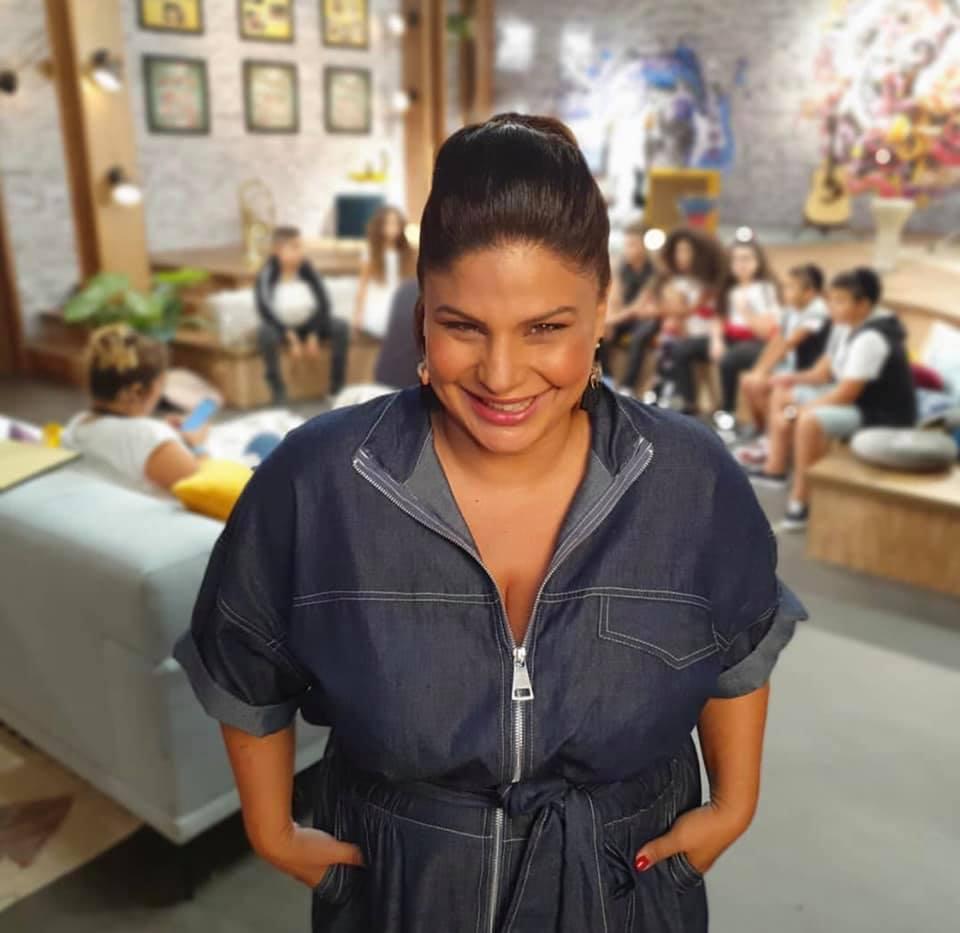 מאיה בצלאל בשמלת ג'ואנה